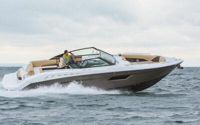 Cruisers 328 Bow Rider